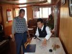 维护辖区航路安全 驱赶违章作业船舶 - 中华人民共和国武汉海事局
