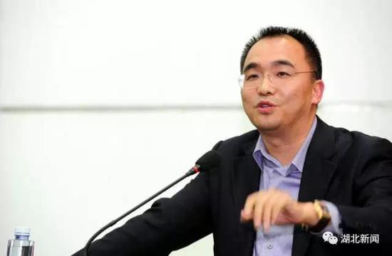 继去年反超前任首富九州药业的刘宝林后,阎志连续两年成为湖北首富.图片