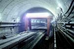 图为:地铁7号线三阳路越江隧道右线贯通。(湖北日报全媒记者 倪娜 摄) - 新浪湖北