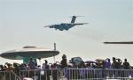 图为:运-20飞机进行飞行展示 - 新浪湖北