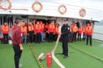 组织船员开展消防演习 - Hb.Chinanews.Com