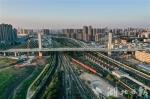 杨泗港快速通道青菱段跨铁路转体斜拉桥。 - 新浪湖北