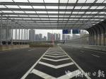 杨泗港快速通道青菱段高架桥上声屏障。 - 新浪湖北